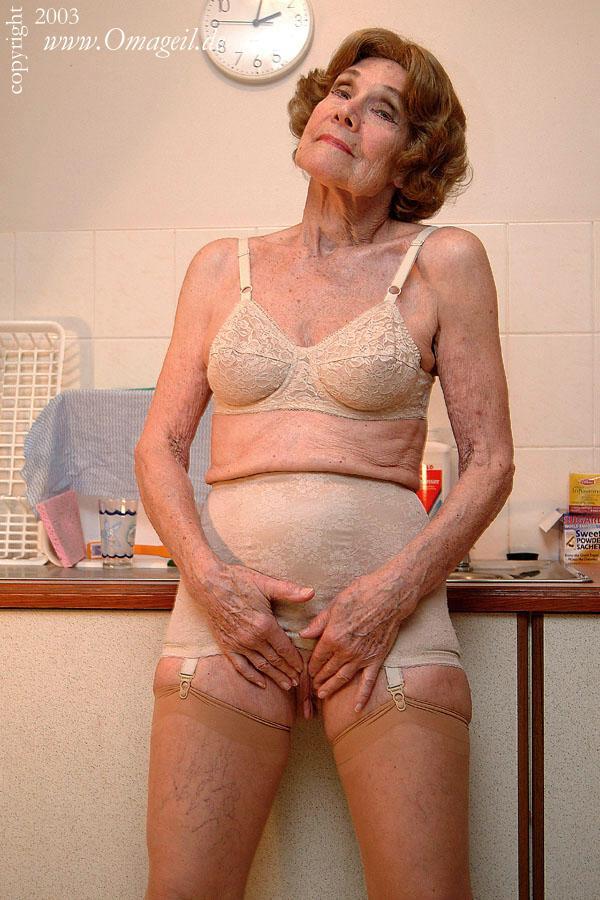 Nude Ugly Girl